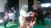 Berita Banten, Berita Tangerang, Berita Kabupaten Tangerang, Covid-19 di Kabupaten Tangerang: Tes Swab Antigen di Kejari Kabupaten Tangerang Diikuti Puluhan Pegawai