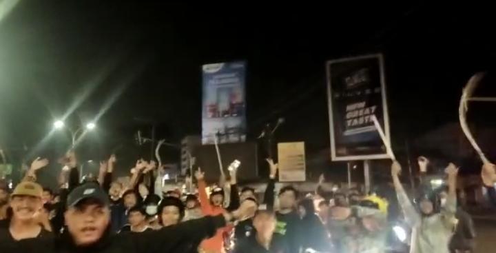 Berita Banten, Berita Banten Terbaru, Berita Banten Terkini, Berita Banten Hari Ini, Berita Serang, Berita Serang Terbaru, Berita Serang Terkini, Berita Serang Hari Ini, Warga Minta Polisi Tangkap Gerombolan Pemotor Membawa Senjata Tajam