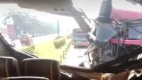 Berita Banten, Berita Banten Terbaru, Berita Banten Hari Ini, Berita Serang, Berita Serang Terbaru, Berita Serang Hari Ini: Bus Rombongan Ziarah Asal Tangerang Kecelakaan Beruntun di Tol Merak